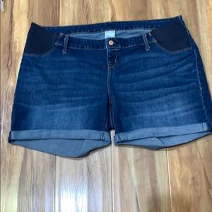 Old Navy Maternity Jeans Shorts Sz 16